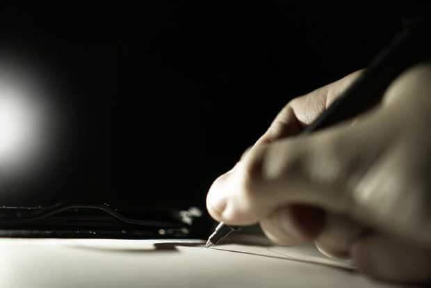 <h2>直筆サインが書ける</h2>